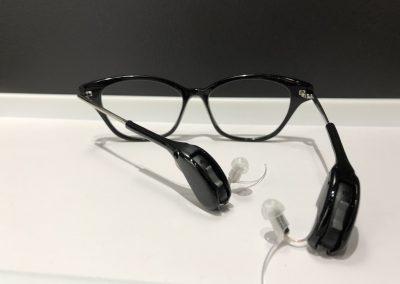 Lunette auditive vue de derrière - Gauthier Gasnal Audioprothésiste